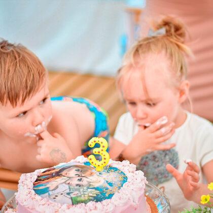 Skaniausias gimtadienio tortas valgomas pirštais!